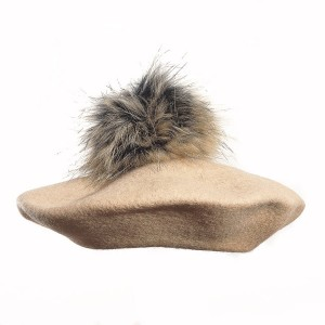100% Wool beret with raccoon pompom - Beige