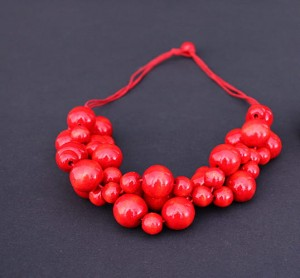 Wooden folk necklace corals big - Red