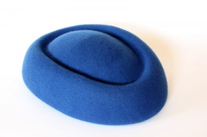 Pillbox boat fascinator - Royal blue